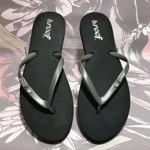48261b6af7e Reef Black and Grey Yoga Mat Foam Sandals SZ 9